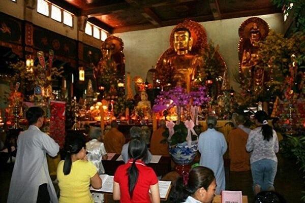 Đi chùa lễ Phật có từ khi nào tại Việt Nam?