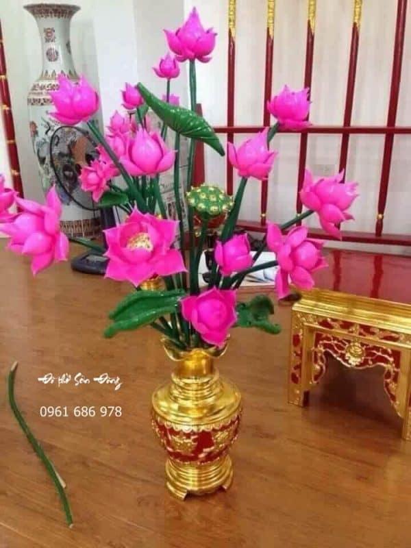 Bình hoa sen thờ mẫu đẹp