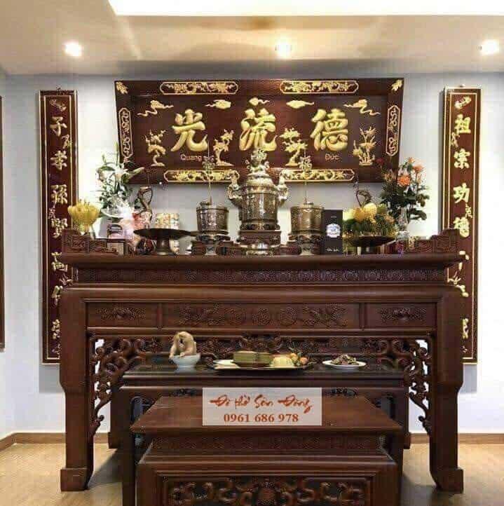 Phòng thờ gia tiên gỗ gụ cho căn hộ chung cư