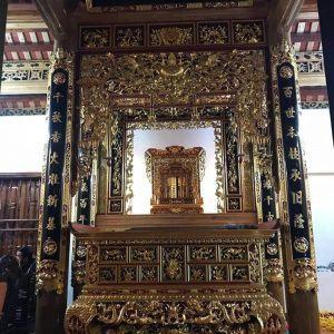 Hoành phi câu đối, cửa võng, sập thờ, ngai thờ thếp vàng đẹp