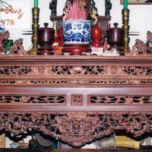 Mẫu bàn thờ án gian cổ chạm đầu Rồng