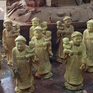 Tượng 12 bà Mụ bằng gỗ mít