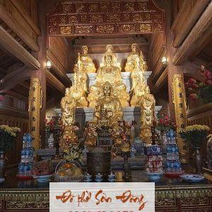 Điện thờ Tam Bảo trong chùa