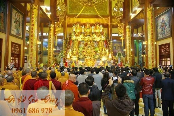 Văn khấn Phật khi lễ chùa